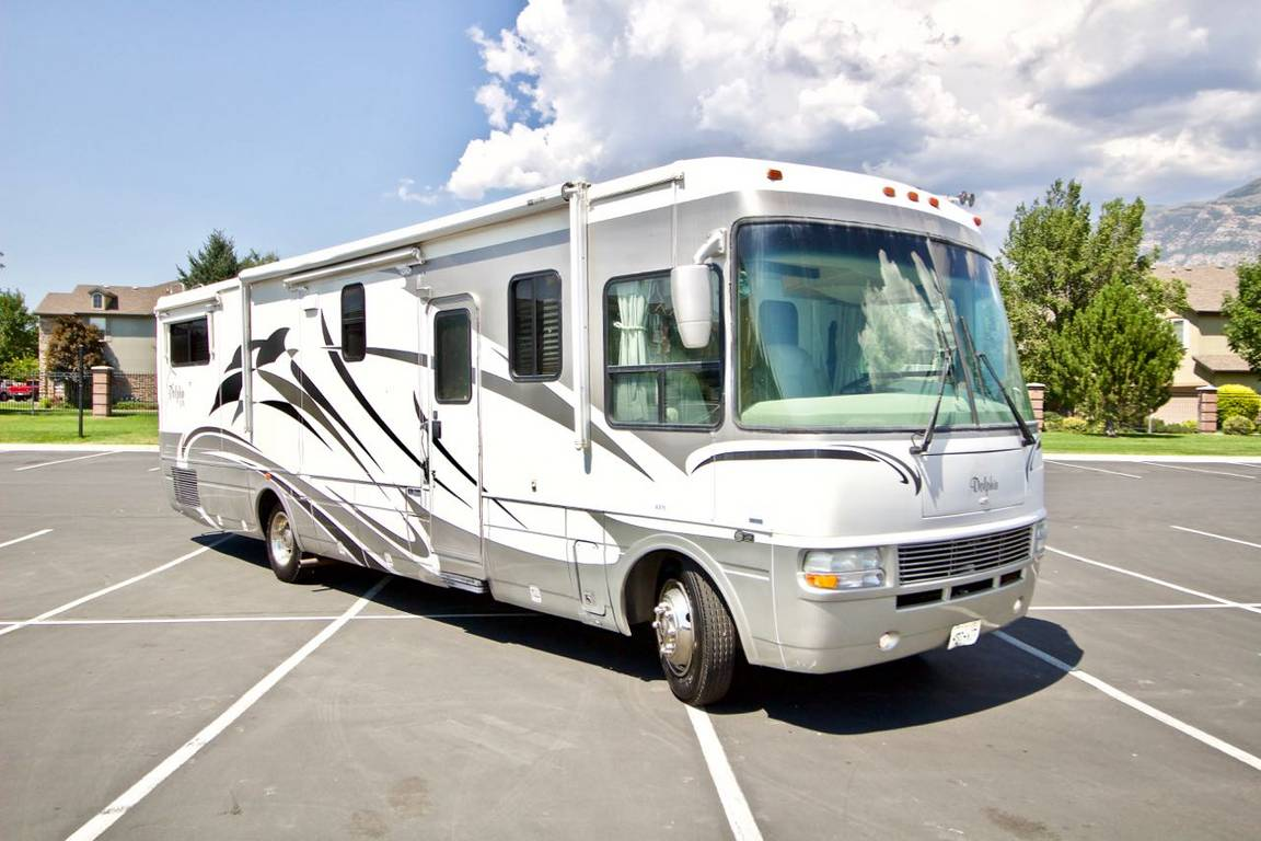 Photo of 2005 National RV Dolphin