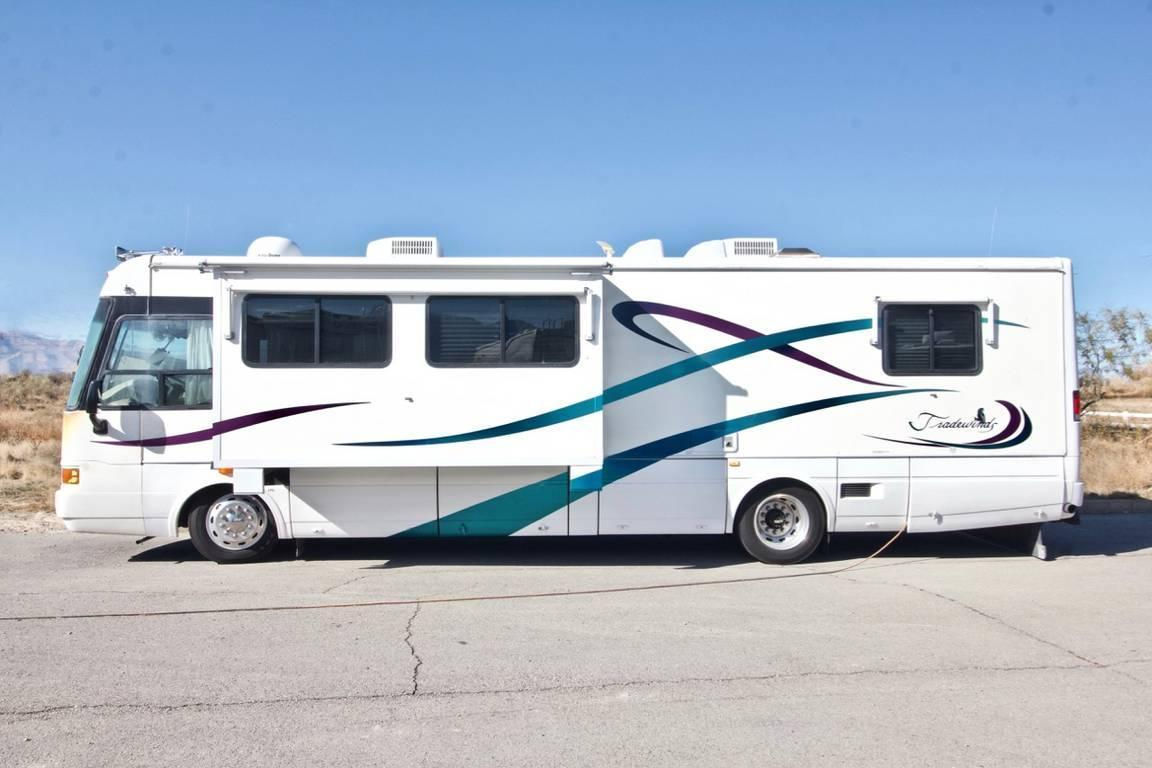 Photo of 2000 National RV Tradewinds